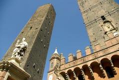 Le Due Torri, Bologna, Italië. Stock Fotografie