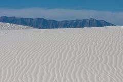 Le dune di sabbia a bianco insabbia il monumento nazionale [New Mexico, U.S.A.] fotografie stock libere da diritti