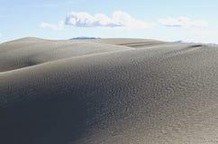 Le dune sabbiose molli nella terra del desret immagine stock libera da diritti