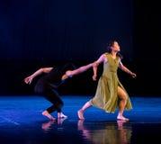 Le féminisme 2-Act 2 : Pays des merveilles relation-moderne de danse de triangle photographie stock