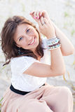 le för flicka för blåa ögon Fotografering för Bildbyråer