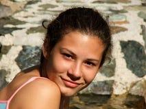 le för flicka som är tonårs- Arkivbilder