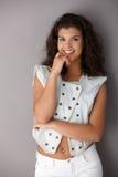 le för flicka som lyckligt är tonårs- Royaltyfri Fotografi
