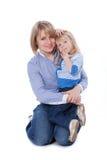 le för mom för barn lyckligt Royaltyfria Bilder