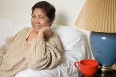 le för mormor royaltyfria foton