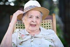 le för mormor Arkivbild