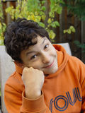 le för pojke Arkivfoton