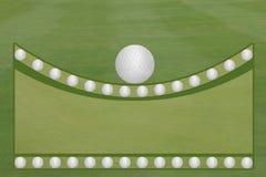 Le fairway et le vert de golf avec des boules de golf ouvrent le calibre de région des textes Photographie stock libre de droits
