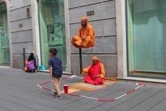 Le fakir dans les rues de Naples Photo libre de droits