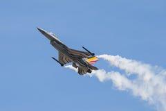 Le faucon de combat de F-16 de General Dynamics est un aéronef polyvalent de chasseur à réaction initialement développé par Gener photo stock