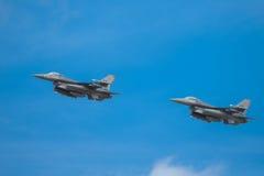Le faucon de combat de F-16 de General Dynamics est un aéronef polyvalent de chasseur à réaction initialement développé par Gener images stock