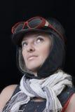 Le femme dans l'image espiègle du pilote Photos stock