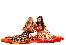 Le femme de deux poupées effectuent fortune-dire Photographie stock libre de droits