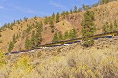 Le fermate di Rocky Mountaineer ad una posizione scenica fotografia stock