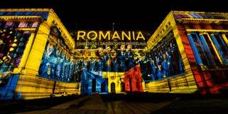 Le festival de projecteur transforme la capitale de la ville en exposition d'art de lumière d'air ouvert image stock