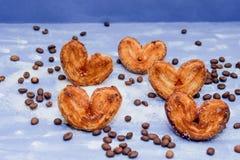 Le fette del mandarino, biscotti, cuori, arco 6 del pizzo Fotografia Stock