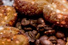 Le fette del mandarino, biscotti, cuori, arco 37 del pizzo Immagini Stock Libere da Diritti