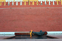 Le feu éternel au mur de Kremlin Photos stock
