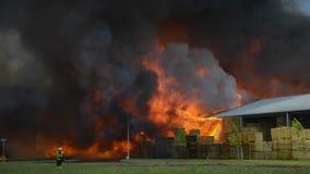 Le feu d'entrepôt