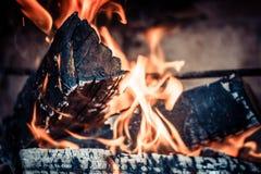 Le feu dans le foyer Image libre de droits