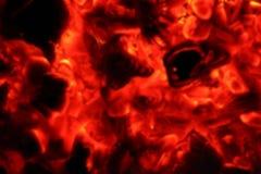Le feu de cendre brouillé dans la nuit foncée photographie stock libre de droits