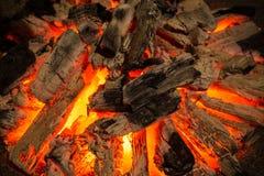 Le feu de charbon de bois Photographie stock