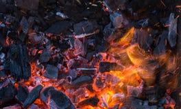 Le feu de charbon de bois Image libre de droits