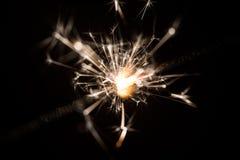 Le feu de cierge magique ou du Bengale - dispersion des étincelles Photos libres de droits