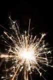 Le feu de cierge magique ou du Bengale - dispersion des étincelles Images libres de droits