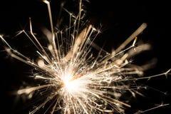 Le feu de cierge magique ou du Bengale - dispersion des étincelles Image libre de droits