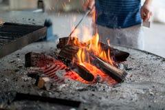 Le feu de gril photo stock