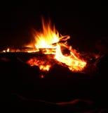 Le feu de plage de nuit Photographie stock