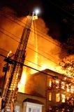 Le feu fonctionnant de 3 alarmes image stock