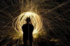 Le feu POI, rotation flamboyante de laine en acier Photos stock
