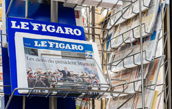 Le Figaro reporting handover ceremony presidential inauguration. PARIS, FRANCE - MAY 15, 2017: Le Figaro French newspaper reporting handover ceremony Royalty Free Stock Photography