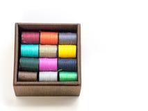 Le fil coloré consiste Photographie stock