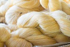 Le fil en soie n'est pas blanchi Photo stock