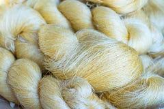 Le fil en soie n'est pas blanchi Image libre de droits