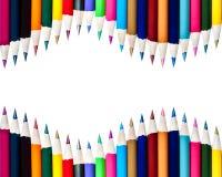 Le file doppie di colore disegnano a matita il fondo Immagine Stock