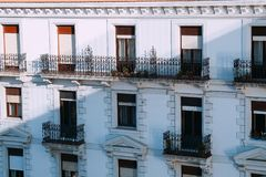 Le finestre nella facciata immagine stock libera da diritti
