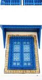 Le finestre tipiche hanno decorato la finestra in Sidi Bou Said Fotografia Stock