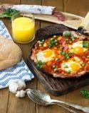 Le flamenco eggs, des huevos un flamenca de La, cuisine andalouse espagnole Photos stock