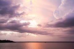 Le fleuve Amazone nuageux Image libre de droits
