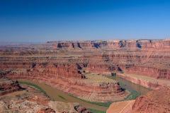 Le fleuve Colorado en parc national de Canyonlands, point de cheval mort, Moab Utah Etats-Unis Photos libres de droits