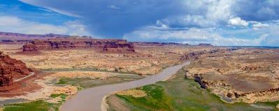 Le fleuve Colorado et confluent sale de rivière de diable photographie stock libre de droits