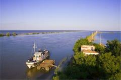 Le fleuve de Danube circule dans la Mer Noire Images libres de droits
