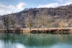 Le fleuve du Doubs images stock