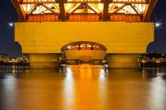 Le fleuve Han avec le pont de Seongsan la nuit Photos libres de droits