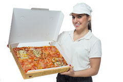 Le flickan med olika sorter av pizza Arkivbild