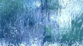Le flux de l'eau propre